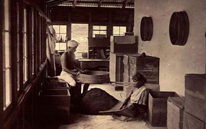 OLD-ceylon-tea-industry-1